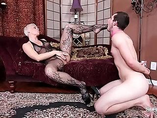 Domina Helena : Stocking slut/Domina Helena : Pleasure Slave