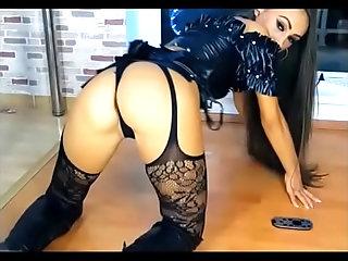 she is so fucking hot 3